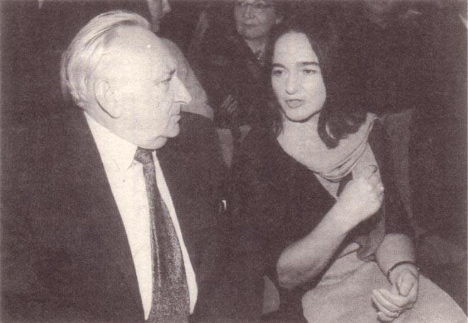 Laudator Egon Bahr 1999 bei der Verleihung des Tucholsky-Preises an Daniela Dahn